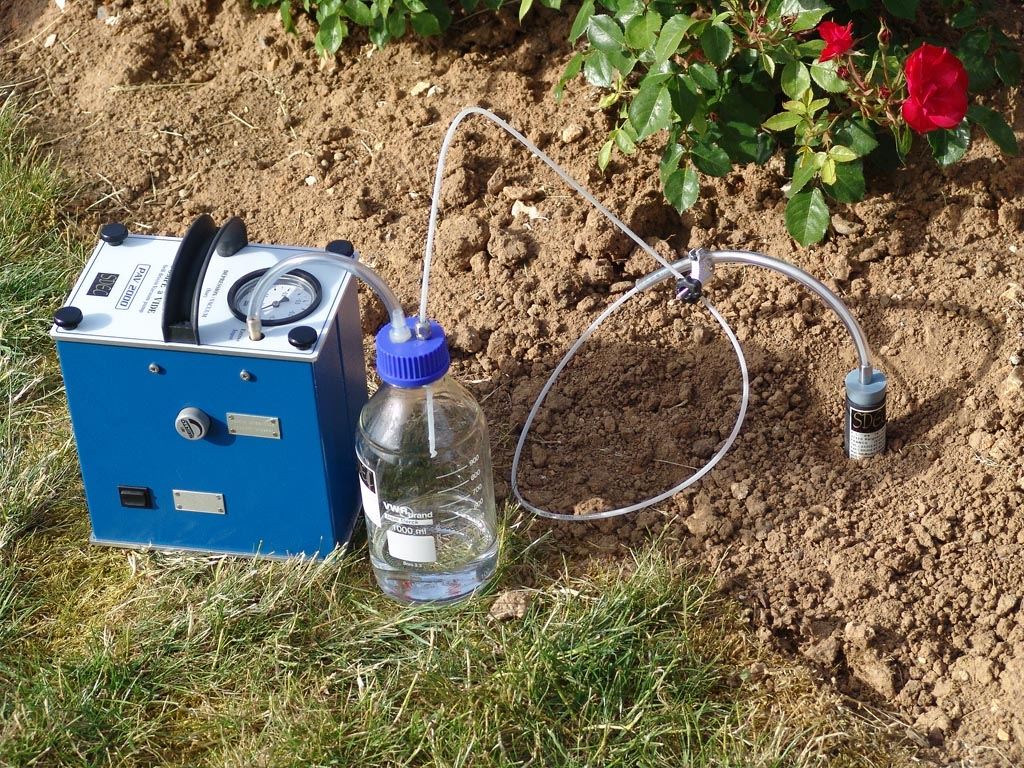 Used for collecting soil solution contained in SPS 200 succion lysimeters